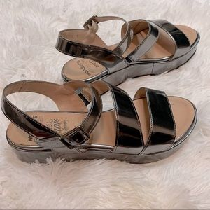 Wonders metallic silver platform sandal